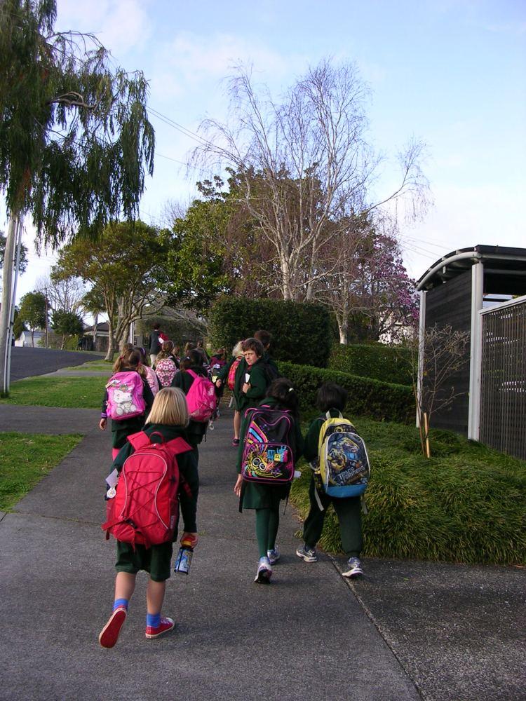 The Walking School Bus by Angela Caldin (1/3)